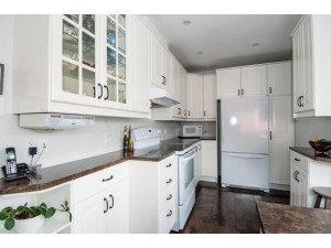 746 Cooper St-MLS_Size-009-11-Kitchen-533x415-72dpi