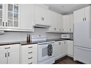 746 Cooper St-MLS_Size-010-15-Kitchen-533x415-72dpi