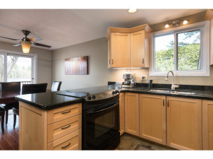 1278 Bayview Dr-MLS_Size-009-14-Kitchen-1024x768-72dpi - Copy