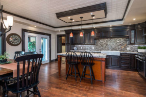 3671 Diamondview Rd-small-007-19-KitchenEating Area-666x444-72dpi