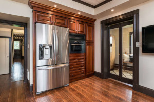 3671 Diamondview Rd-small-010-18-Kitchen-666x444-72dpi