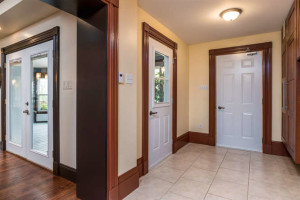 3671 Diamondview Rd-small-017-22-Mudroom-666x444-72dpi