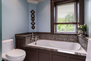 3671 Diamondview Rd-small-022-16-Master Bedroom Ensuite-666x444-72dpi