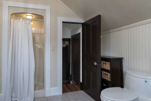 3671 Diamondview Rd-small-032-26-Main Bathroom-666x444-72dpi