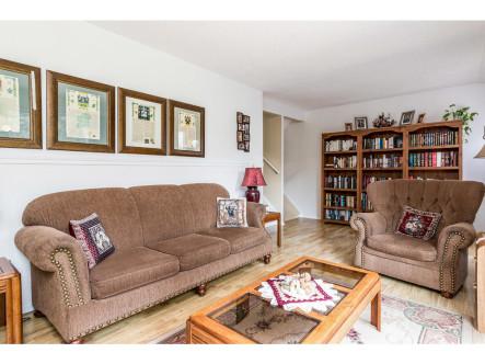 4640 Cosmic Pl-MLS_Size-005-9-Living Room-1024x768-72dpi