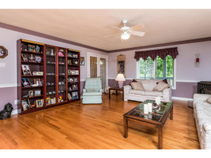 470 Berry Side Rd-MLS_Size-008-25-Living Room-1024x768-72dpi