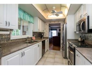 470 Berry Side Rd-MLS_Size-012-31-Kitchen-1024x768-72dpi