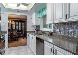 470 Berry Side Rd-MLS_Size-014-20-Kitchen-1024x768-72dpi