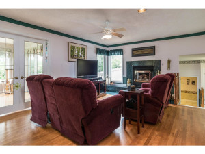 470 Berry Side Rd-MLS_Size-015-41-Family Room-1024x768-72dpi