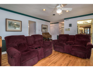 470 Berry Side Rd-MLS_Size-017-26-Family Room-1024x768-72dpi