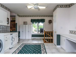 470 Berry Side Rd-MLS_Size-022-35-LaundryMudroom-1024x768-72dpi
